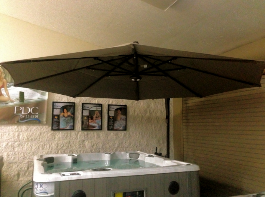 Large Outdoor Cantilever Umbrellas