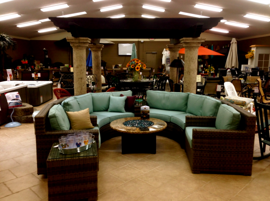 Outdoor patio furniture showroom cleveland ohio for Outdoor living patio furniture